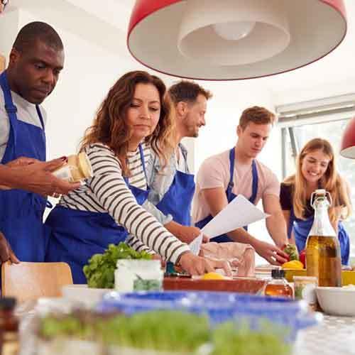 Team beim kochen