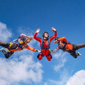 Fallschirm Schüler mit Lehrer